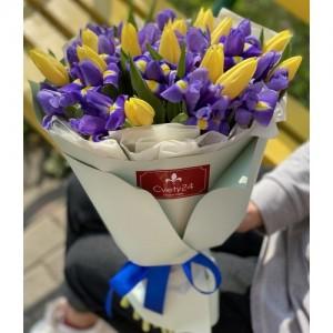 """Букет из желтых тюльпанов и ирисов """"Любимой маме"""""""