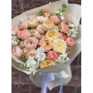 """Букет из кустовых роз """"Шампань"""""""