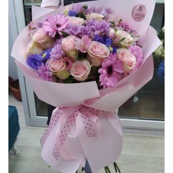 """Букет из гербер, хризантем, роз и ирисов """"Анжелика"""""""