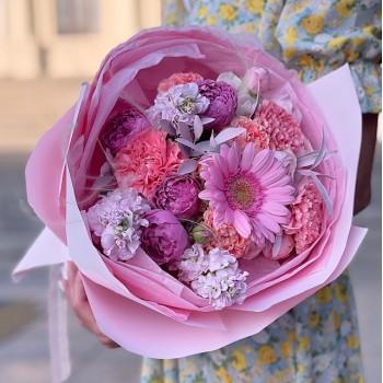 """Букет из кустовой розы, гербер и гвоздик """"Джульетта"""""""