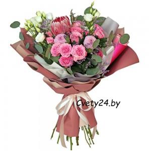 """Букет из кустовых роз и хризантем """"Пудровый"""""""