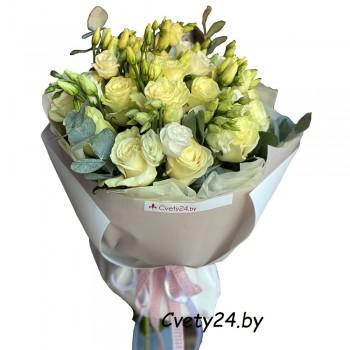 """Букет из белых роз и эустом """"Невеста"""""""